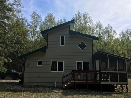 A cabin=really nice 1 bedroom house
